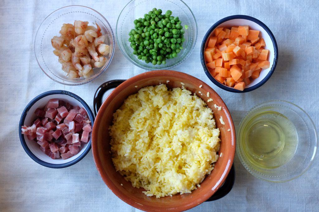 gli ingredienti per il piatto riso alla cantonese
