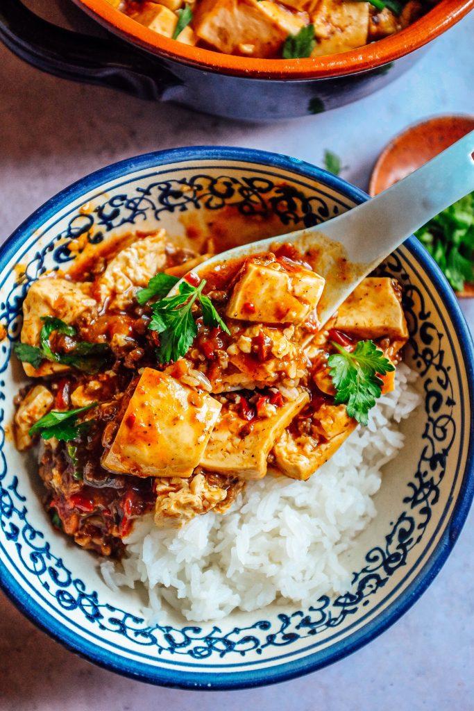 Questo piatto è perfetto nei giorni freddi accompagnato da una ciotola di riso!