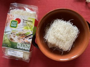 ingredienti: spaghetti di riso 125g
