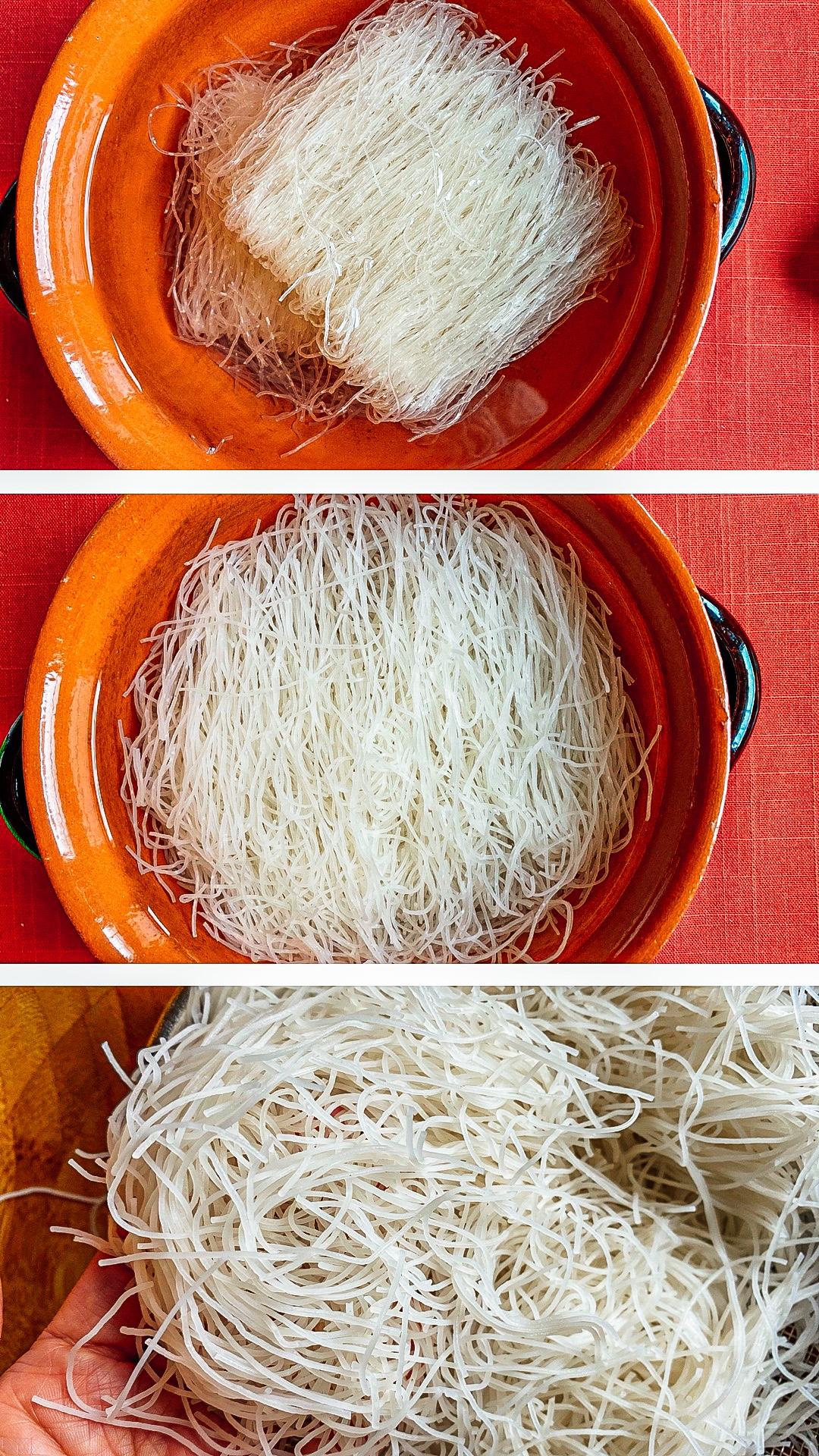 Metti gli spaghetti di riso in ammollo in acqua fredda (acqua del rubinetto) per 20 minuti. Scola gli spaghetti e lasciali in un setaccio o scolapasta per dopo.
